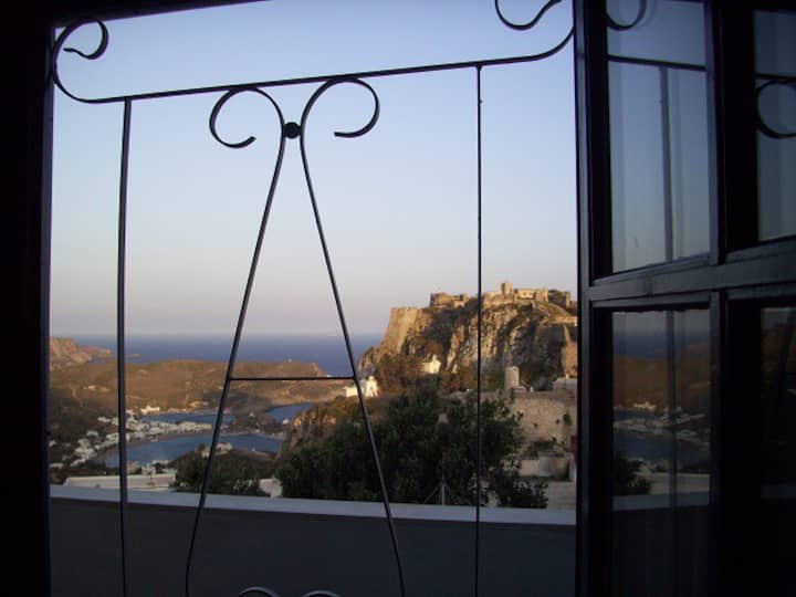 Stunning view studio in Chora
