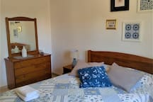Bedroom with en suite and double bed (1)
