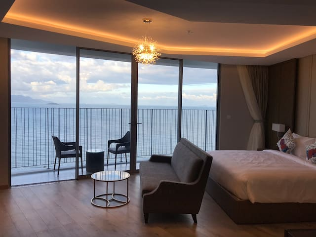 KYMODO DELUXE SEAVIEW WITH WIDE BALCONY
