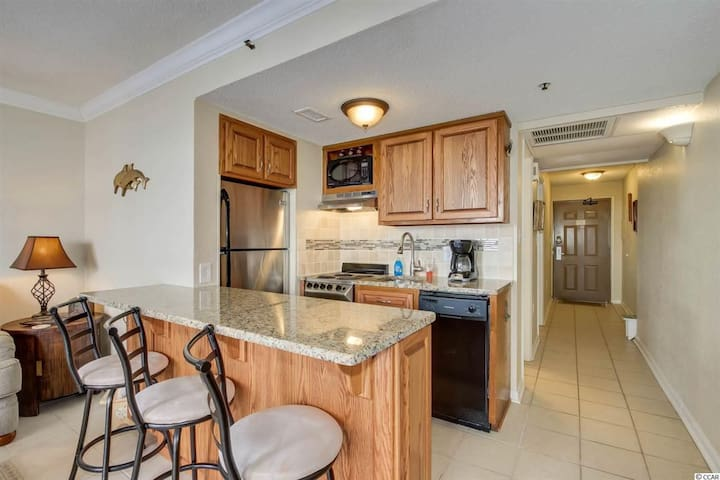 Elegant One Bedroom Ocean View Myrtle Beach Condo