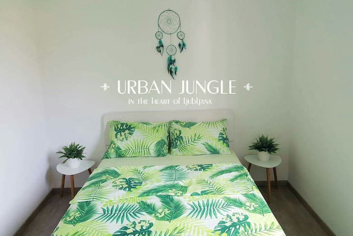 · URBAN JUNGLE in the heart of LJ ·