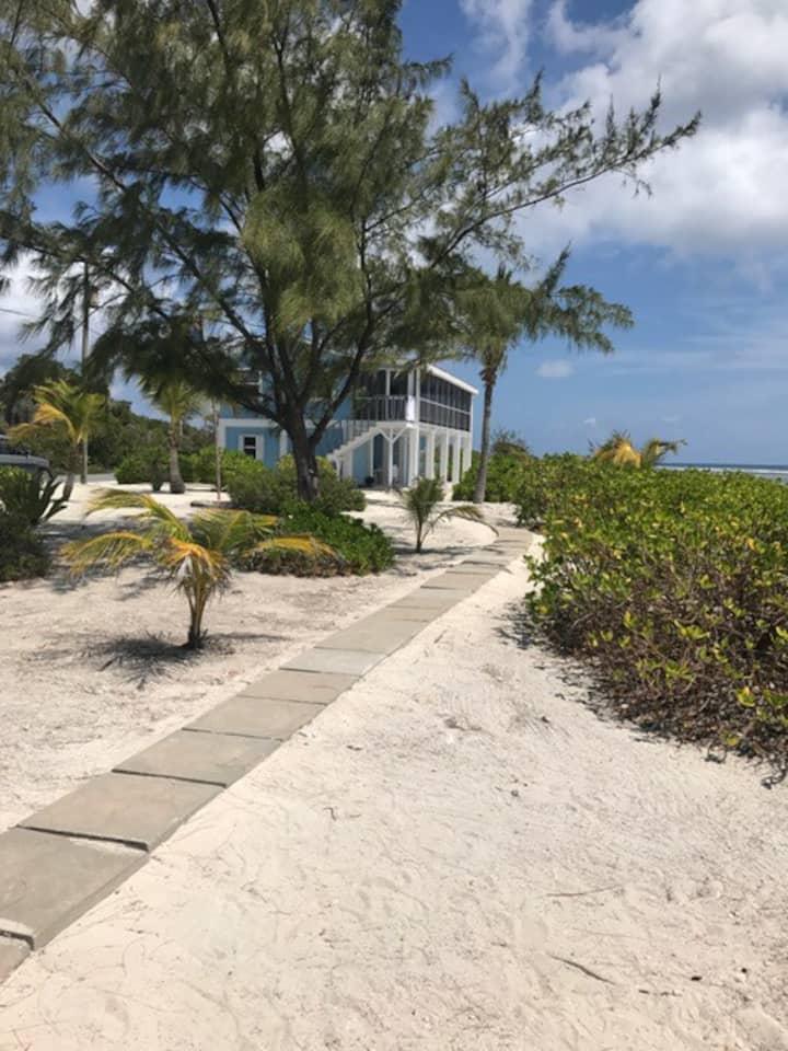 THE ROCK HOUSE private beach Little Cayman Island