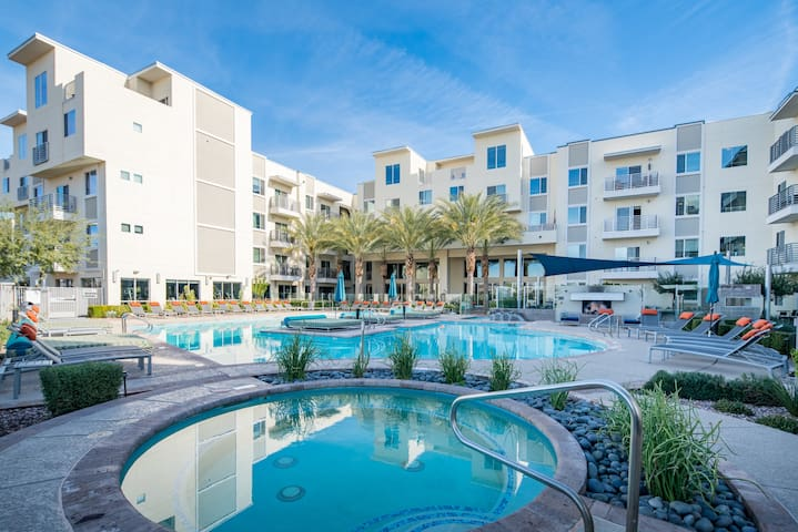 WanderJaunt | Shale | Luxe 1BR | North Scottsdale