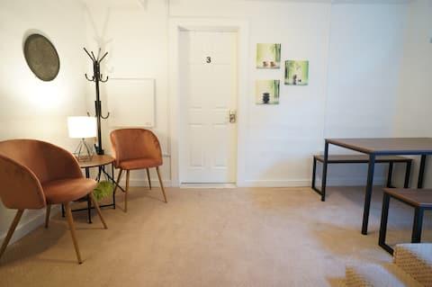 Affordable Studio Close to UWA