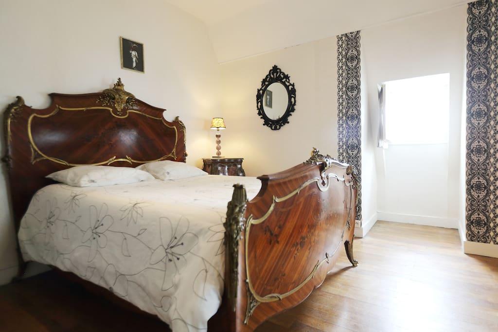 Chambre louis xv avec petit d jeuner chambres d 39 h tes for Chambre d hotes tours
