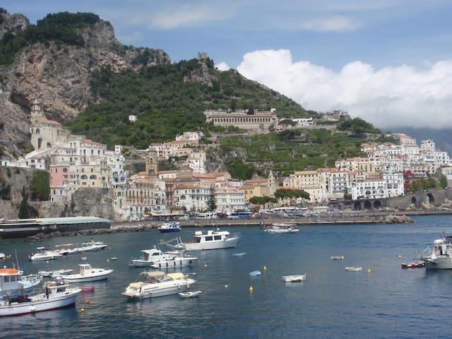 Foto panoramica: Amalfi