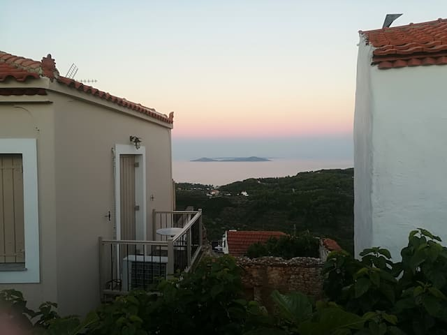 Alonissos old Village ''Onarhouse'' for 2