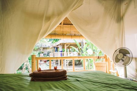 Bamboo hut, garden, pool and cold coconuts!  (4) - North Kuta