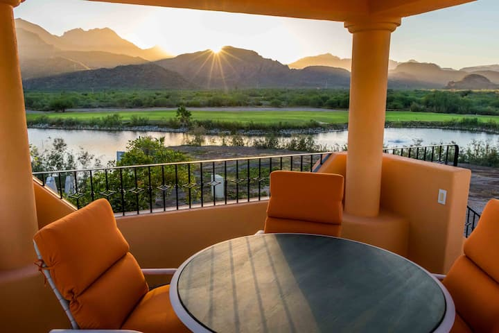 Marvellous Mountain & lake view, 3BR & 3 BA. Bikes available for guest