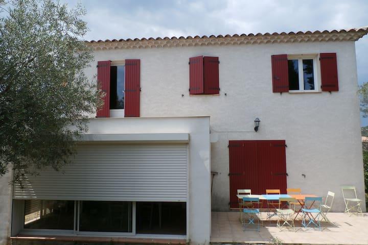 Jolie maison entre Nîmes et Avignon - Saint-Bonnet-du-Gard