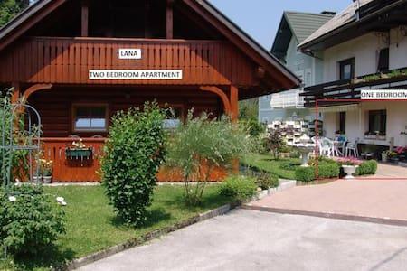 Apartments Lana - Chalet - Bled - Almhütte