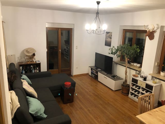 Möbliertes Zimmer/Furnished room close Hubland Uni