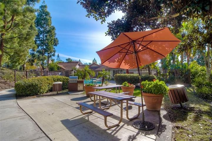 Close to beach, golf course one bedroom apartment.