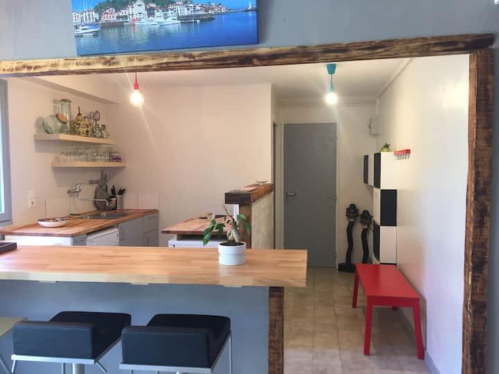Charmant studio avec terrasse dans maison basque !