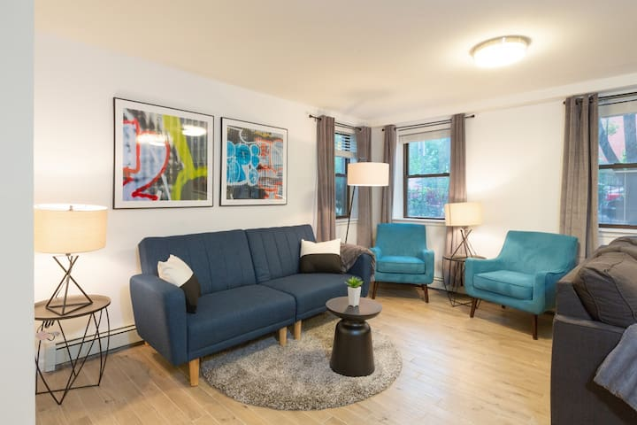 Great 2BR Apartment in the Heart of Jersey City!