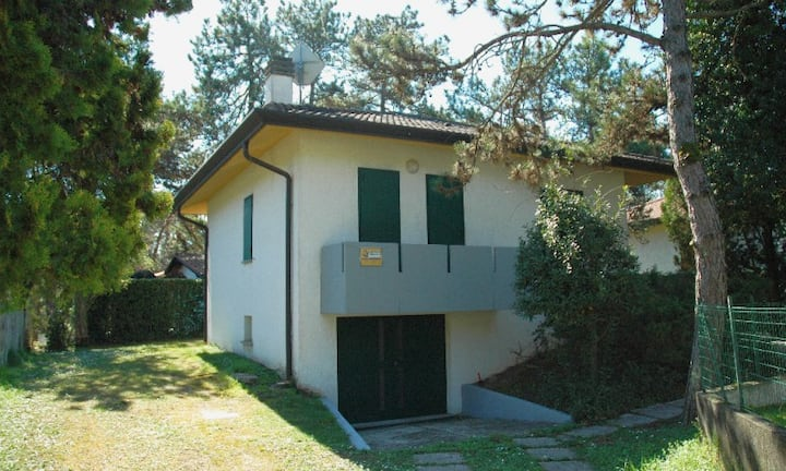 Villa Usignolo D1 - single villa with garden