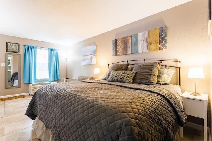 Sarasota Getaway Hotel Condo