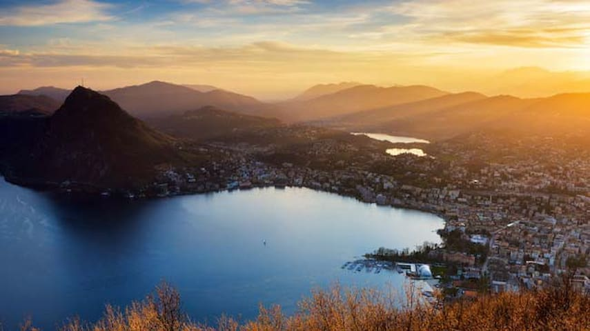 CLOSE TO THE LUGANO CITYCENTER AND TO THE BUS STOP - Lugano - Huoneisto