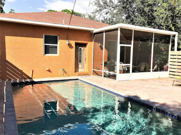 Roselawn-Lovely 3BR/2BA Villa Near Siesta w/pool