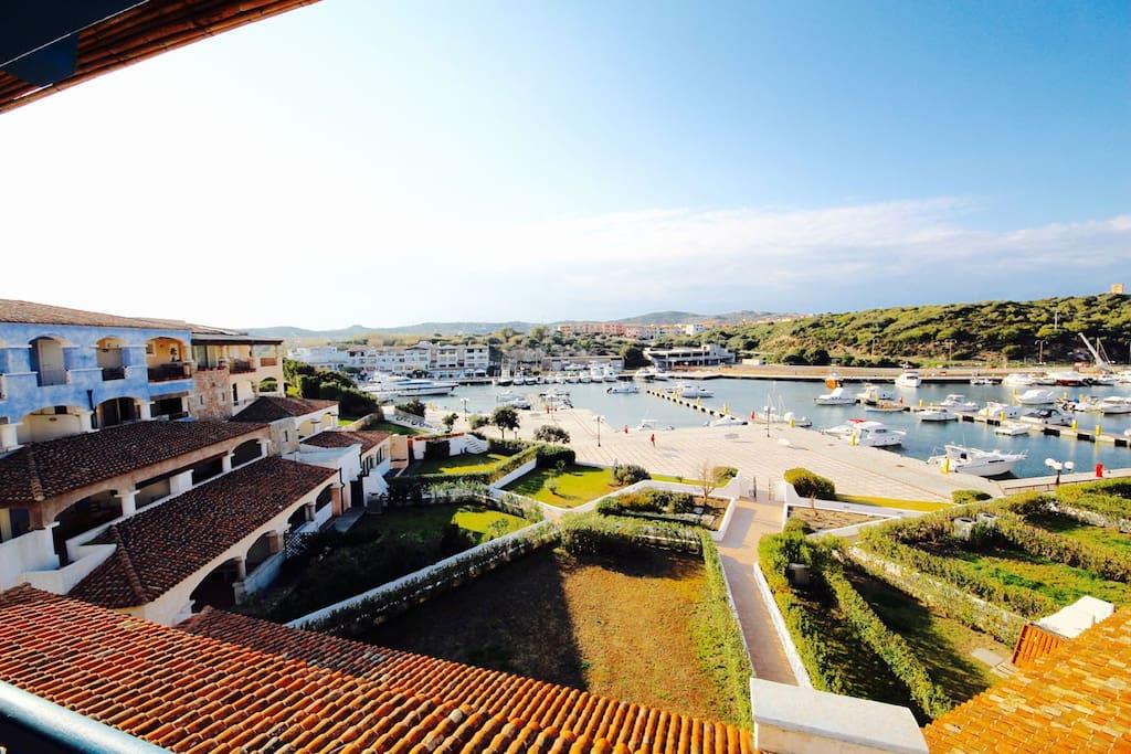 Ariel 4 2 terrazza piscina giardino by klabhouse for Piscina santa teresa albacete