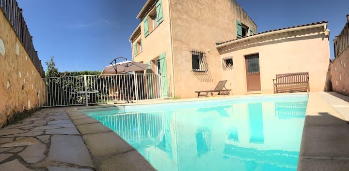 Villa sur la cote d'azur avec piscine