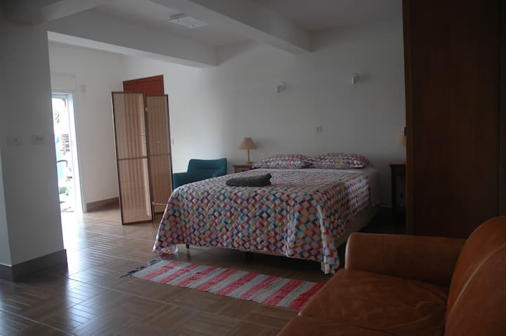 Large Studio Apartment in Butanta Lux Guest House