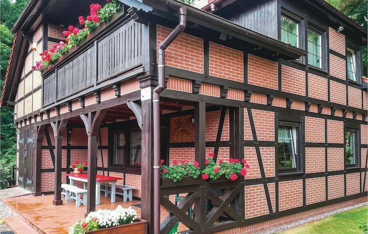 Holiday cottage with 4 bedrooms on 137m² in Pobierowo