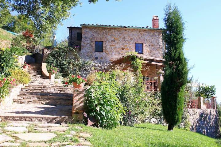 """La Casa Rossa del """"Poderepiandicava"""""""