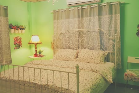 Stay3 free airport pick up only - Rachathewa - Bed & Breakfast