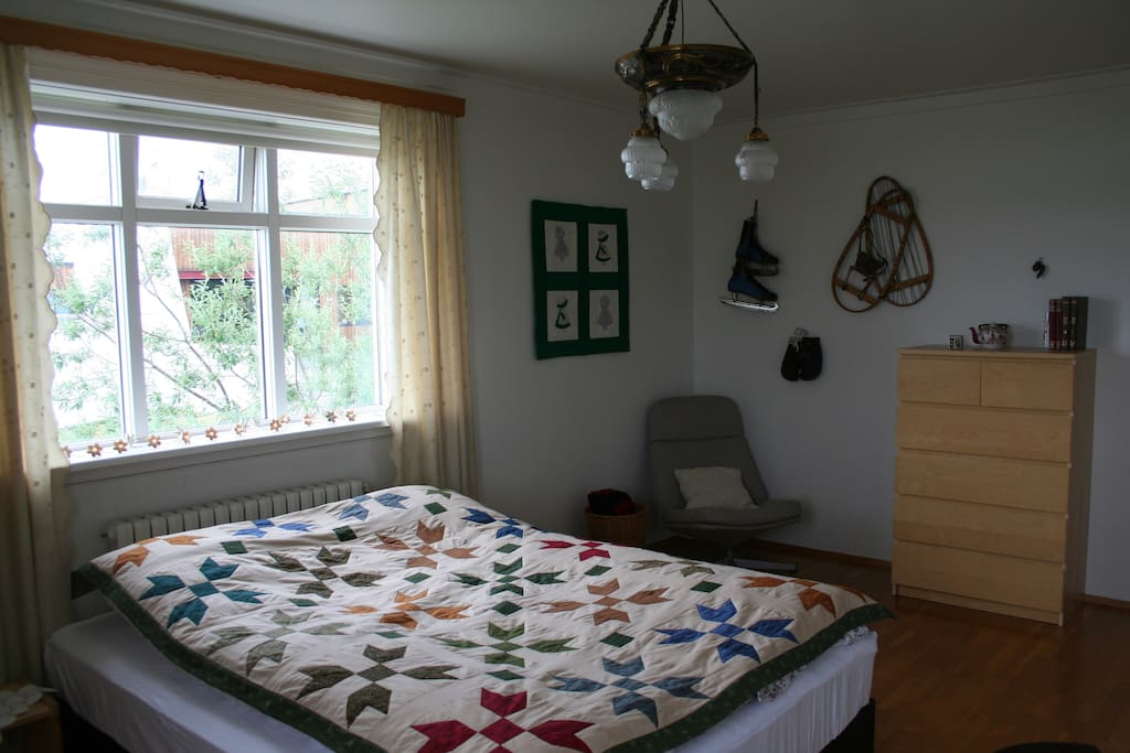 Double room with made up beds