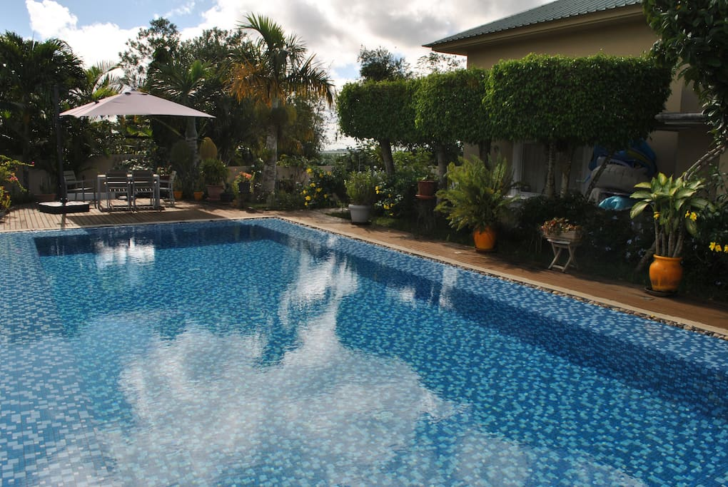 Beautiful house w swimming pool villas for rent in for Swimming pool mauritius