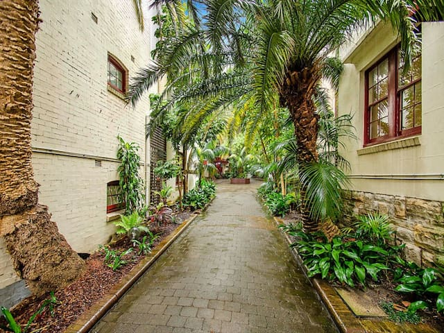 Renovated Art Deco Studio Apartment - Rushcutters Bay - Leilighet
