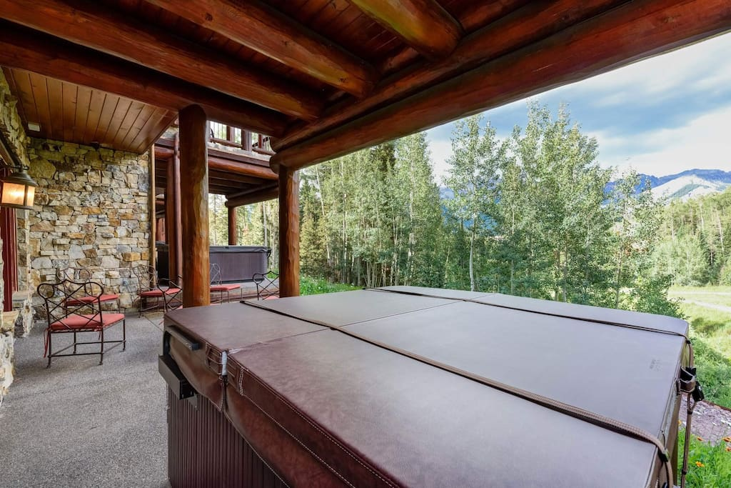 Even your private hot tub offers extraordinary views.