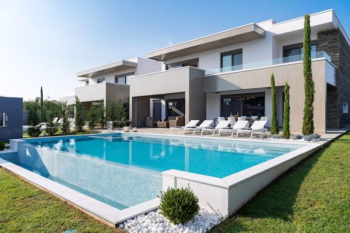 Kassandra Luxury Villa VIP