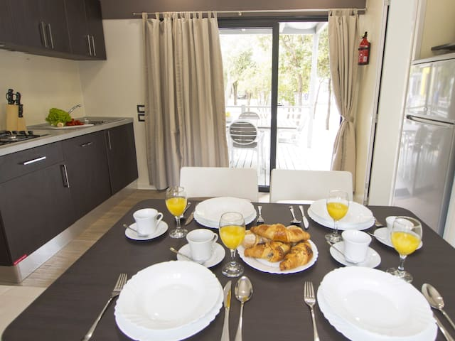 4-room mobile home 34 m² Camping Park Umag for 6 persons - Umag - Hus