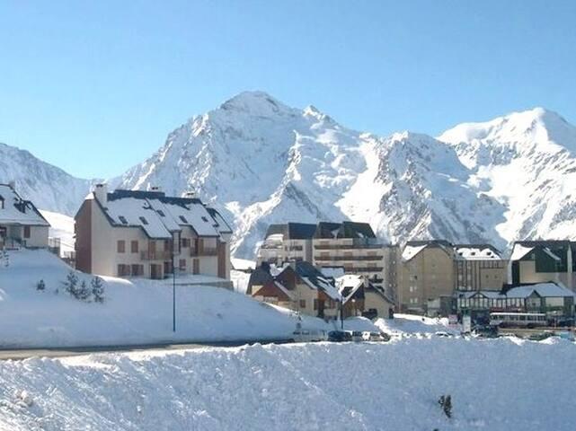 Très agréable chalet  sur station de ski - Penne-d'Agenais - Chatka w górach