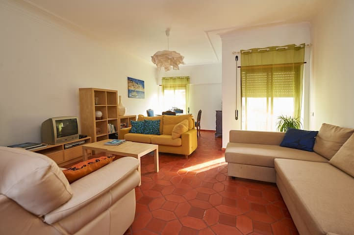 Happy Stay sunny apartment - Cascais - Bed & Breakfast