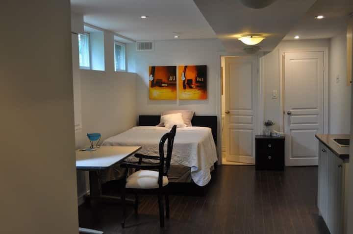 Toronto All Inclusive Private Luxury Residence.