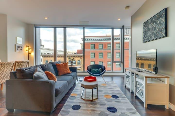 Luxury Park Avenue West condo w/large windows, great views