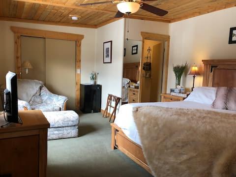 World's End Brewpub & Inn Suite #1 King