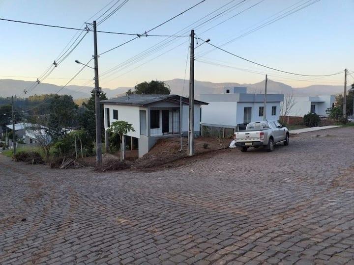 Casa inteira de esquina com vista para o cristo