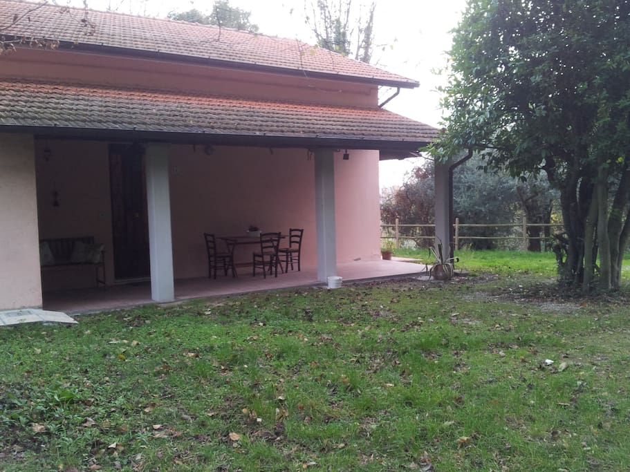 Ingresso  con portico Entrance with portico