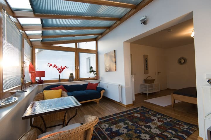 Fenêtre sur cour - Zimmer (30 qm) Wintergarten Bad - Bonn - Hus