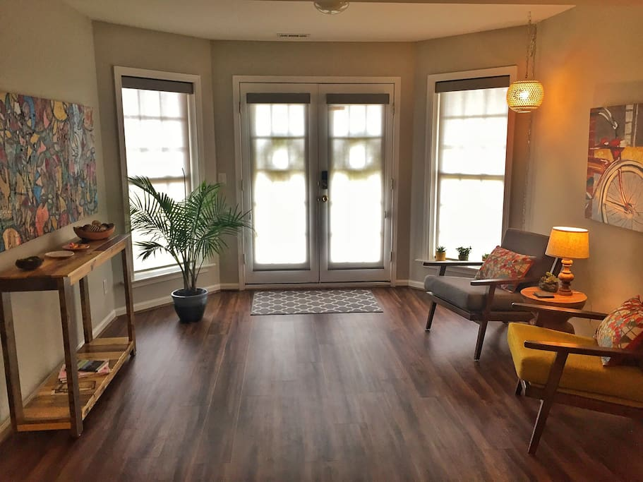 """(Private entryway at Cycler's Rest) """"This property is phenomenal! The accommodations are luxurious, the location is convenient to Travelers Rest and Downtown Greenville, and the hosts make you feel like family..."""" Ryan"""