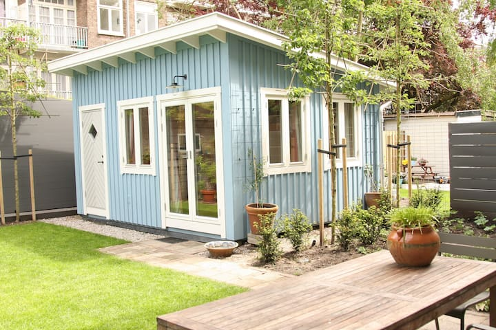 Garden room with private bathroom - Amsterdam - House
