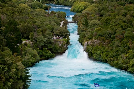 ✦Wonderful 2BR Cottage Nr Huka Falls w Aircon✦