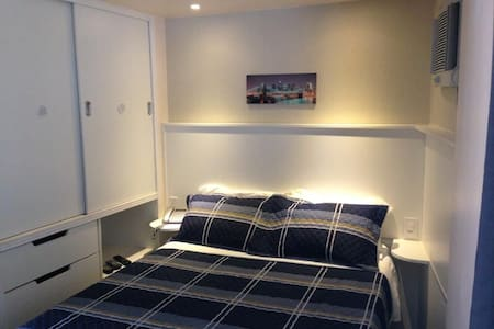 Mini flats 1, cozinha, Wi-Fi / tv a cabo e garagem