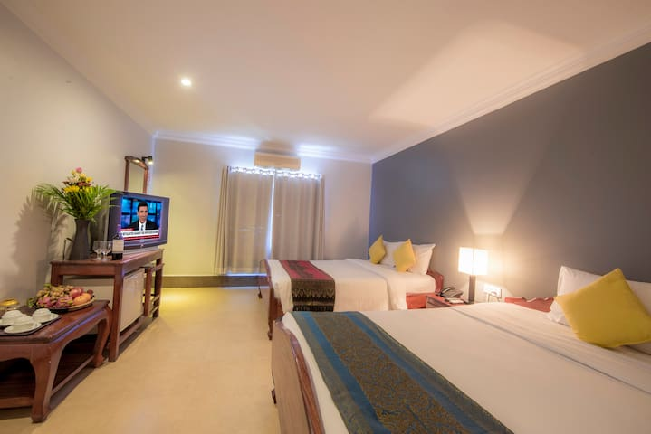 Twin @ Amra Hotel + Swimming Pool + Pick up - Krong Siem Reap - Bed & Breakfast