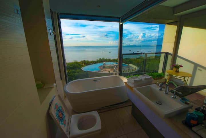 阅海居〔4〕超大落地窗 海景情侣大床房,浴缸,泳池,夕阳。实拍图