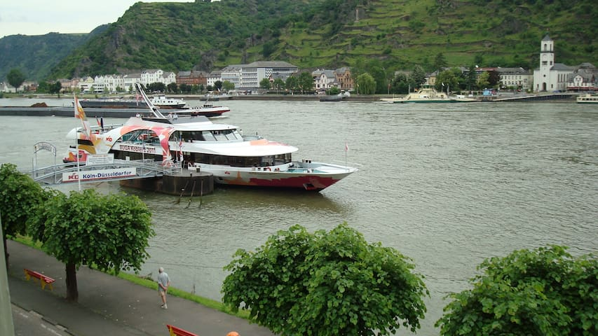 Vacation Apartment 2 with Rhine view, 2 People 50€